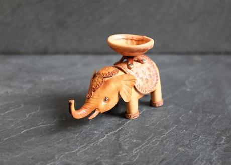 elephant_01.jpg